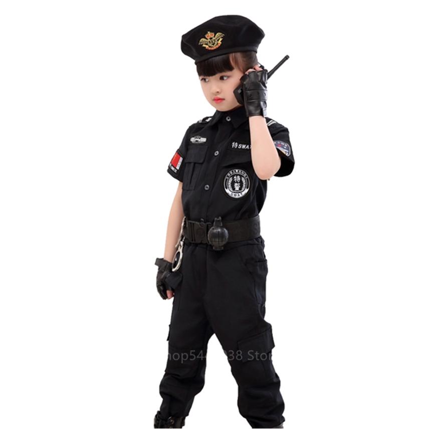 site- ul de tip polițist de sex feminin